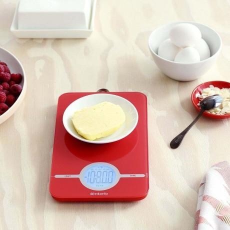 Страстно червена дигитална кухненска везна Brabantia