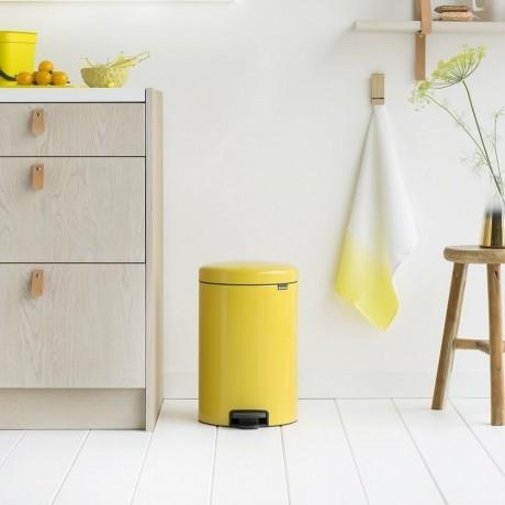 20 л. маргаритково жълт кош за боклук с педал Brabantia NewIcon