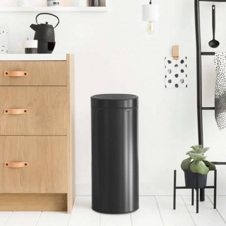 30 л. черен кош за боклук Brabantia от серия Touch Bin New