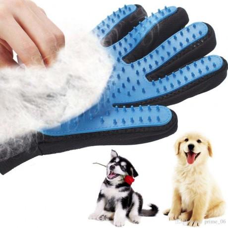 Ръкавица за почистване козината на домашните любимци