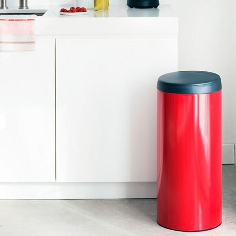30 л. страстно червен кош за смет Brabantia от серия FLIPBIN