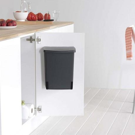 10 л. черно кухненско кошче за вграждане Brabantia
