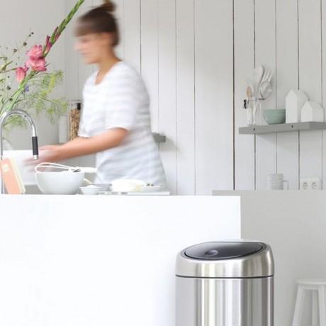 45 л. кош за отпадъци матиран инокс Brabantia от серия Touch Bin