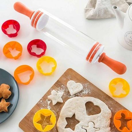 Комплект точилка и 9 форми за сладкиши