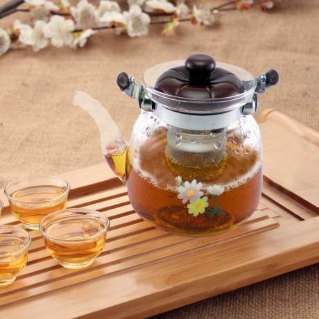 Красив стъклен чайник с филтър