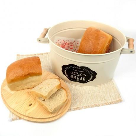 Бежова винтидж метална кутия за хляб с дръжки и дъска за капак