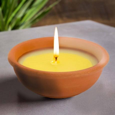 Цитронелена свещ в керамична чинийка